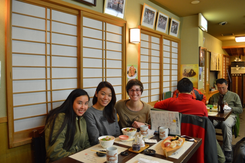 Bonnie, Linds and I enjoying a fresh sushi dinner in Otaru