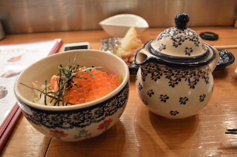 Ochazuke of salmon and salmon roe - 580 yen