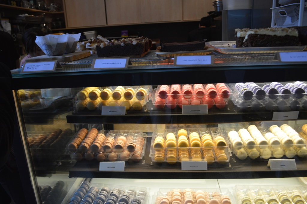 Range of macarons at Cre Asion
