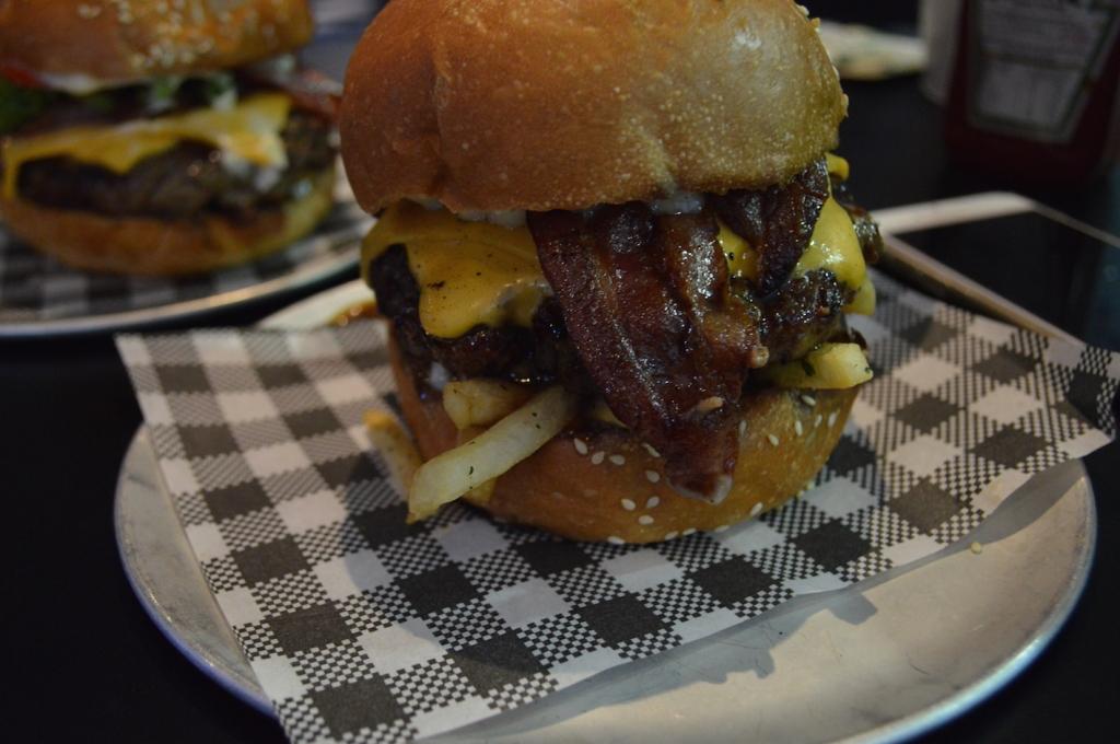 bar luca sydney restaurants burger porn